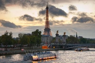 фотография Эйфелевой башни в Париже