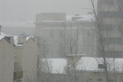 идет снег фото