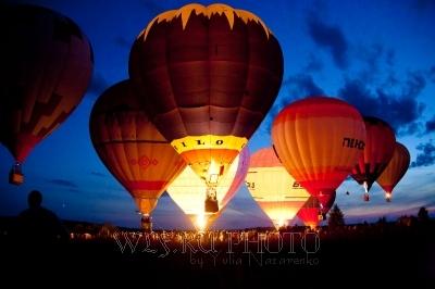 ночное свечение аэростатов фото